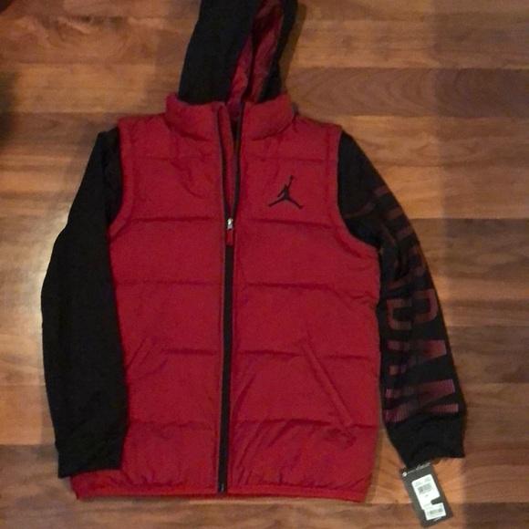 55946310fdd9 Nike Jordan s Big Kids Puffer Jacket